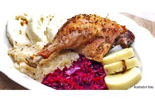 Pečená kachna pro 4 osoby včetně zelí a knedlíků
