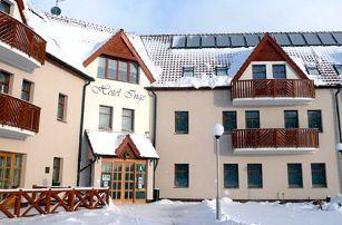 Hotel Inge*** u hradu Hasištejn s bazénem, vířivkou, bowlingem a slevou na saunu