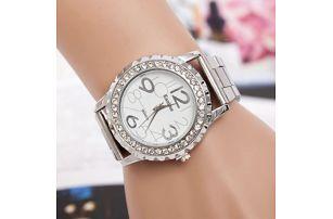 Dámské kovové hodinky s lemováním z kamínků - dodání do 2 dnů
