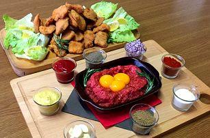 Kilo řízků a 400g tatarského bifteku s topinkami