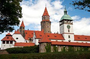 Léto pod hradem Bouzov s polopenzí a dítětem zdarma