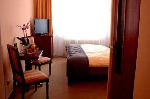 Mariánské Lázně ve 3* hotelu: 3 až 6 dní pro 2 osoby vč. polopenze + masáže, zábaly a bazén!