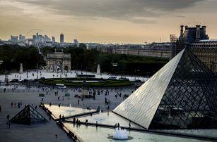 Paříž na Valentýna: 3denní výlet vč. dopravy a průvodce pro 1 osobu z Prahy, Plzně + návštěva termálů v Ambergu
