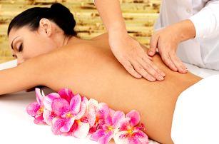 Wellness beauty day: tělový peeling i zábal, masáž, infraoblek a kosmetika na 90-100 min.