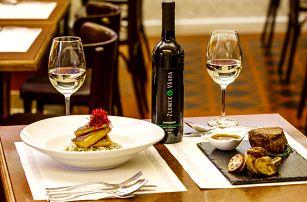 Delikátní menu pro 2: steak či ryba a lahev vína