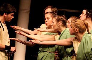 Divadelní představení V Římě na place byla legrace
