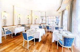 Luxusní 2 či 3chodové menu + láhev vína a domácí limonáda pro dva v 5* hotelu na Malé Straně