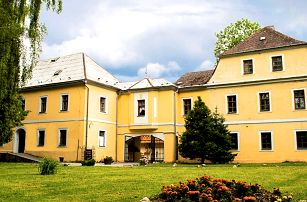 Zámeček Grohmann v Jeseníkách s polopenzí, dítě do 12 let zdarma