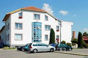 Víkendový pobyt se snídaněmi a wellness v hotelu Gregor u Brna pro 2 osoby a 1 dítě