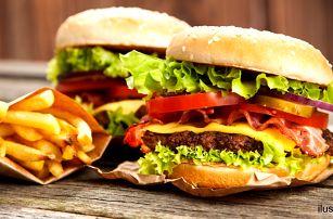 Vydatný maxi burger a hranolky