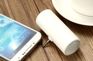 Přenosný reproduktor na mobilní telefon