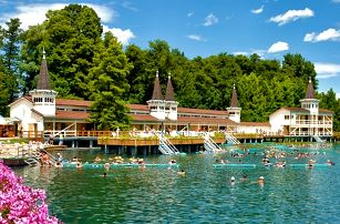 3–6denní pobyt pro 2 s wellness a polopenzí v Maďarsku v hotelu CE Quelle****