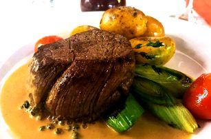 Hovězí pfeffer steak, příloha a dezert pro 2