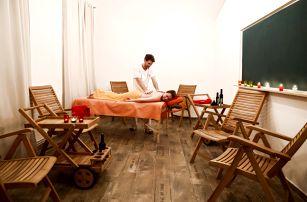 Luxusní masáže: jemná peeling či čokoládová masáž se zábalem na 90 nebo 120 minut na Praze 5