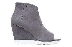 Dámské tmavě šedé sandály na klínku Raylon 1132 40fdb8eefc
