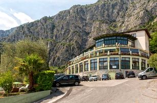 Itálie, Lago di Garda na 4 dny pro 1 osobu s polopenzí a bazénem ve 3* hotelu v parku