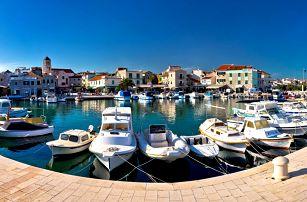 7 nocí v chorvatské vilce: polopenze i doprava