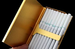Elegantní tabatěrka na cigarety - 3 barvy