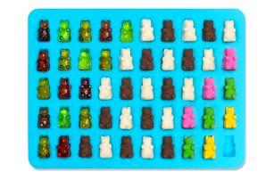 Formička na gumové medvídky s kapátkem - modrá barva - dodání do 2 dnů