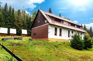 3–6denní pobyt s polopenzí pro 2 v horské chatě Na Papírně na Šumavě