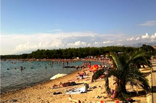 Chorvatsko, ostrov Pag: týden ve stanu v letovisku Povljana
