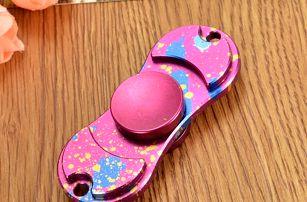 Designový fidget spinner s pouzdrem