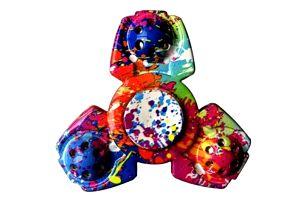 Fidget spinner v originálních tvarech a barvách