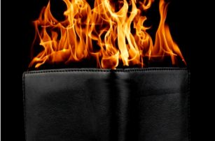 Originální zapalovač Hořící peněženka