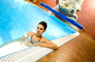 Wellness & Congress hotel Dvořák Tábor **** s 12 procedurami a gurmánskou polopenzí pro dva, děti do 12 let zdarma