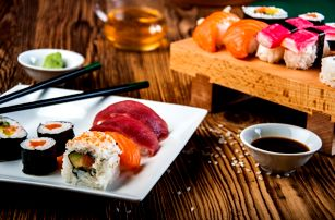 Lahodná asijská pochoutka 26, 48 či 56 ks Sushi na Praze 1
