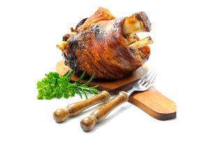Pečená kolena, žebra, řízky, jitrnice - Švejkovo koryto 1,1 kg masa či 4,4 kg pro rodinu a přátele.
