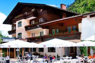 Léto v Rakouských Alpách: výtečné jídlo i sauna