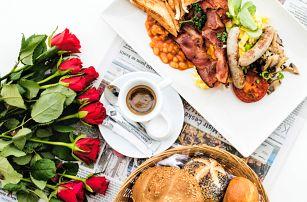 Snídaně u náplavky: pět různých menu vč. nápoje
