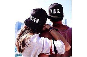 Čepice pro páry - King, Queen - bílé a žluté logo