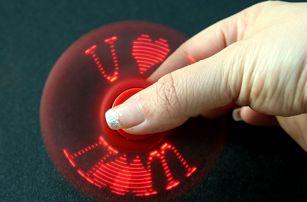 Fidget spinner se třemi světelnými efekty