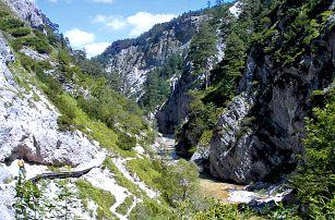 Poznávací výlet do divoké soutěsky v Rakousku
