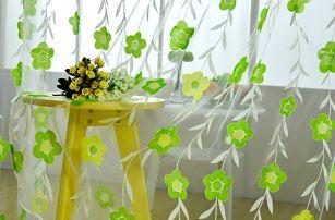 Záclonka s drobnými kvítky - 3 barvy