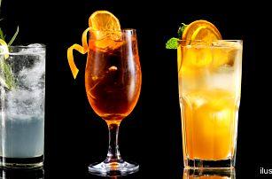 Míchané drinky v luxusní restauraci v centru