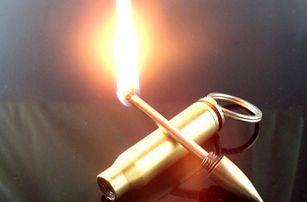 Klíčenka na rozdělání ohně v podobě náboje - dodání do 2 dnů