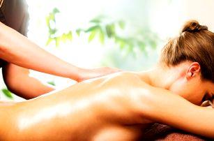 Parádní masáže pro vaše bolavá záda