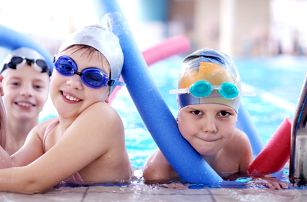 Kurzy plavání pro plavce i neplavce