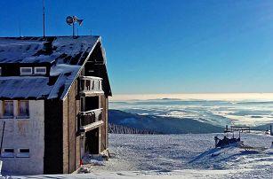 Pohodové Krkonoše v útulné horské chatě s chutnou polopenzí a saunou