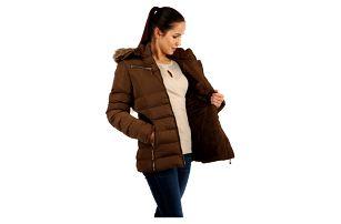 Prošívaná dámská zimní bunda s kožíškem hnědá
