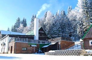 3–6denní pobyt s polopenzí, skipasem a vínem pro 2 v chatě Lučanka v Jizerských horách