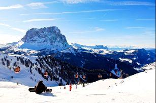 Zimní dovolená v Dolomitech v Cortině d'Ampezzo. 4* hotel pro dva s polopenzí.
