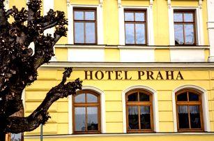 Dovolená v 3*hotelu Praha s polopenzí na náměstí v Broumově. Úschova kol a parkování je zdarma.