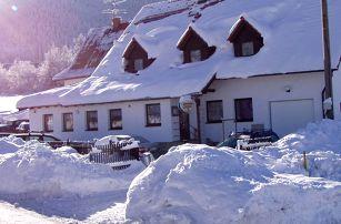 Zima v Hotelu U Lip na Pustevnách s polopenzí, saunou a zábavným programem