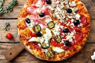 Jumbo pizza s prům. 50 cm tvořená čtyřmi druhy