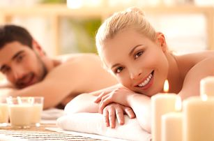 Partnerská synchronizovaná masáž pro dva