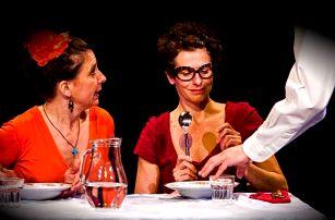 Vstupenka na divadelní představení Ty dvě, které obědvají